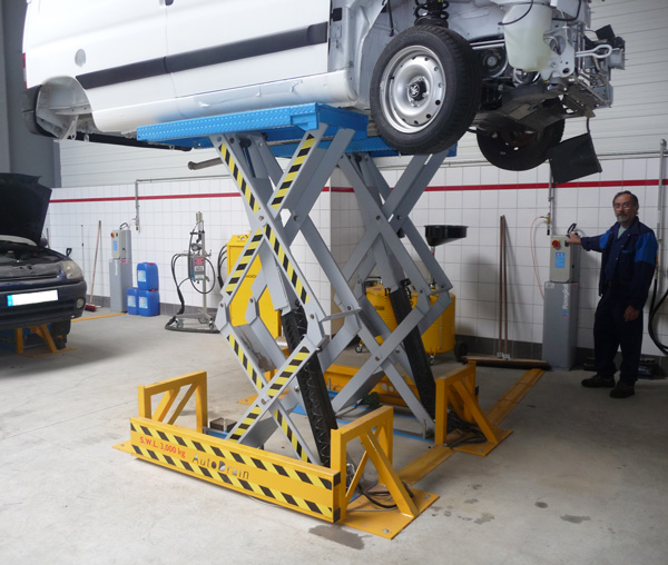 Image of AutoDrain Load Lift | The quick and easy way to access end of life vehicles